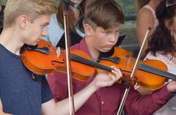 Ausbildung an der Musikschule an der Violine