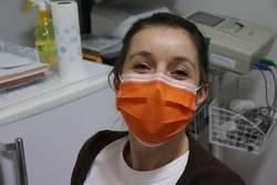 Illustration Thema Corona - Krankenschwester mit Mund-Nasen-Schutz
