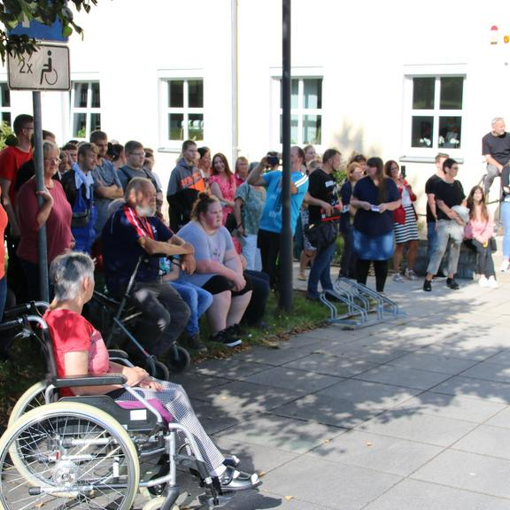 """Impressionen von der  Eröffnung der Ausstellung """"All inklusive"""" im Landratsamt in Schleiz"""